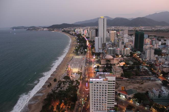 Вид на площадь с обзорной площадки отеля Havana