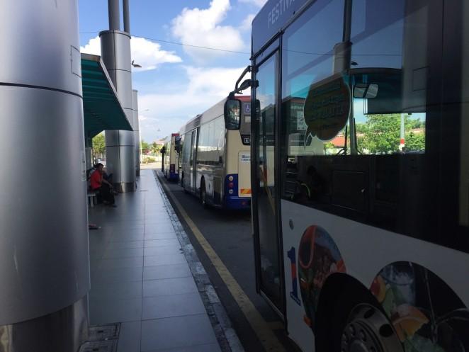 Автобусная остановка, Пенанг, аэропорт