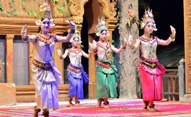 Национальные танцы в Камбодже