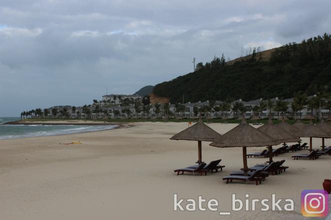 Пляж отеля Vinpearl Nha Trang Resort