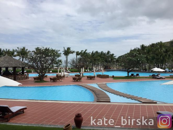 Бассейн отеля Vinpearl Nha Trang Resort