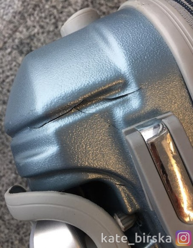 Чемодан поломали в аэропорту